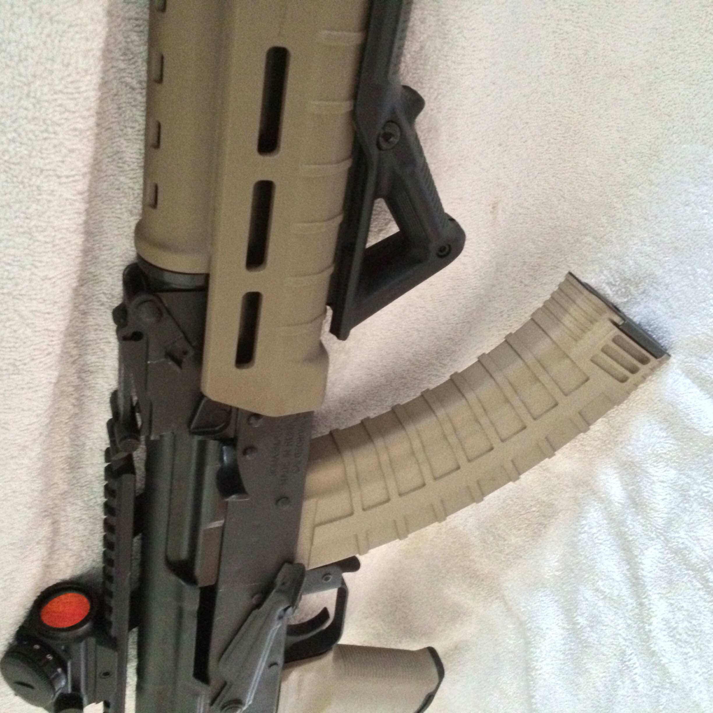 FDE magpul w/ foregrip, Red dot, AR stock | WASR-10 COM